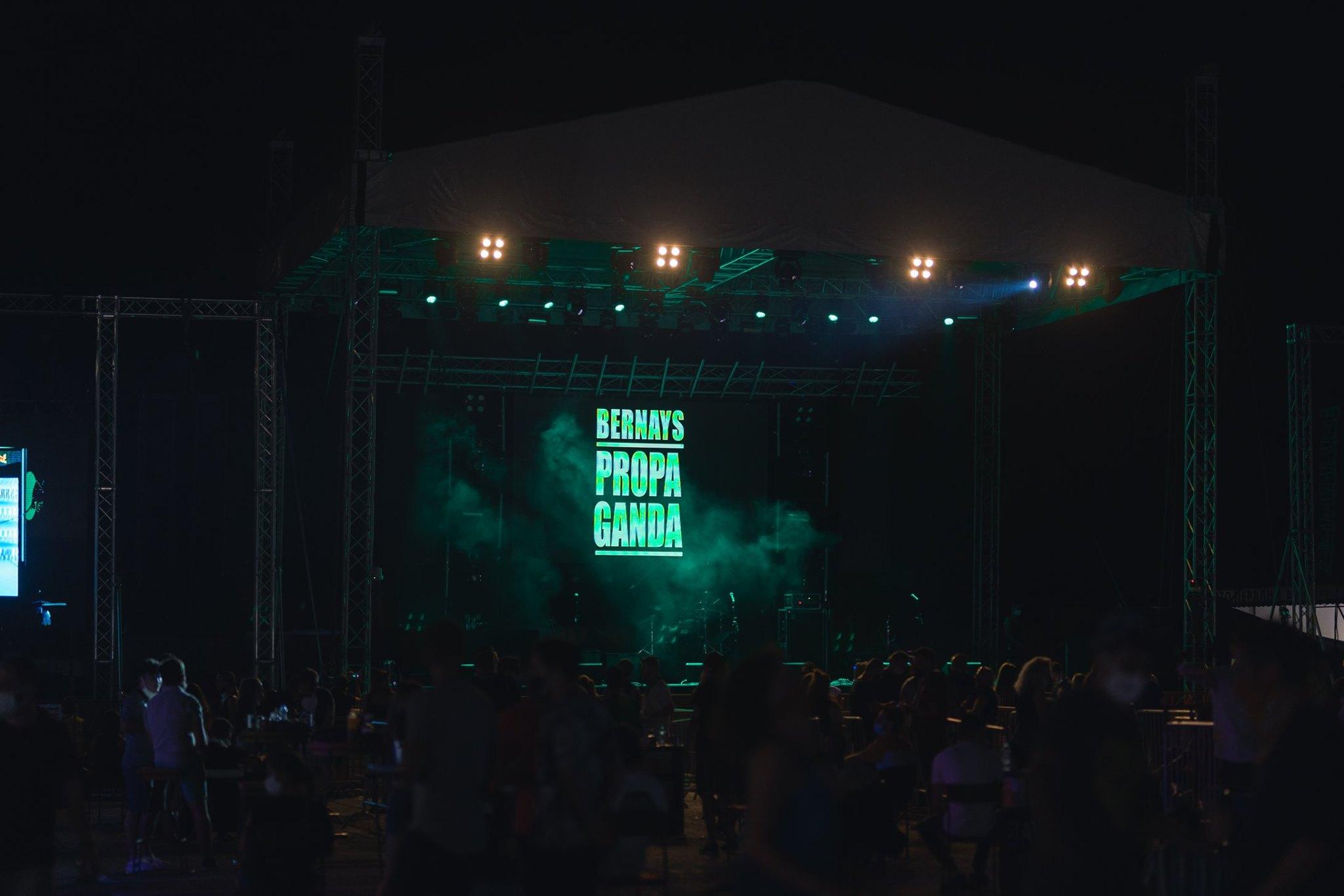 D festival at night